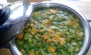 Der fertige Gemüseeintopf