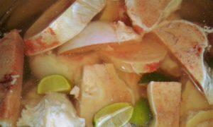 Rindermarkknochen, Limetten und kaltes Wasser
